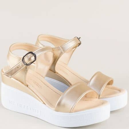 Златни дамски сандали на бяла платформа 100753zl