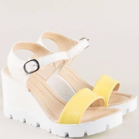 Дамски сандали на платформа в бяло и жълто 100760jb