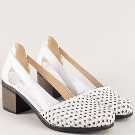 Дамски отворени обувки с перфорация в бяло от кожа на ток 1009559b