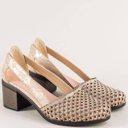 Дамски обувки на среден ток с прорези от естествена кожа в златисто розов цвят 1009559rzps