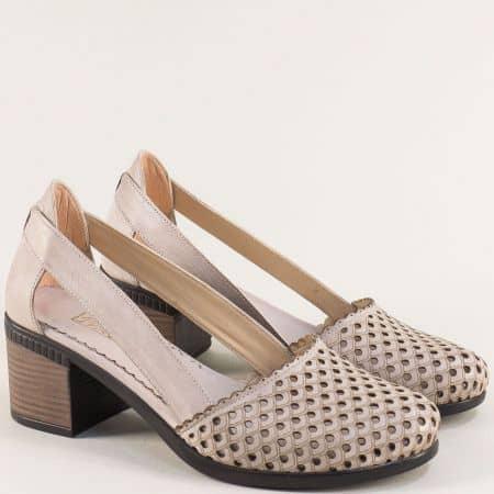 Бежови дамски обувки с перфорация на среден ток 1009559sv