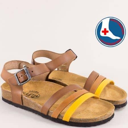 Кожени дамски сандали с катарама в жълто и кафяво-  PLAKTON 101007kj