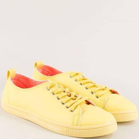 Дамски кецове с връзки на равно ходило в жълт цвят 1012-40j