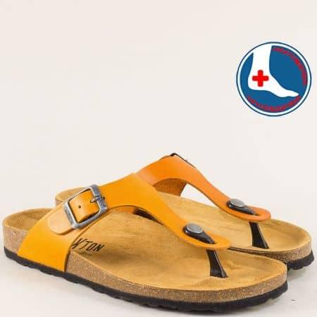 Оранжеви дамски чехли с катарама от естествена кожа 101671o