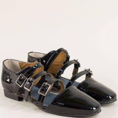 Черни дамски сандали от естествен лак с три катарами 1046lch