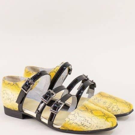 Дамски сандали със змийски принт в черно и жълто 1046zj