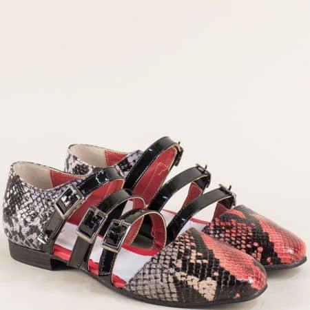 Кожени дамски сандали в червено и черно с три катарами 1046zps