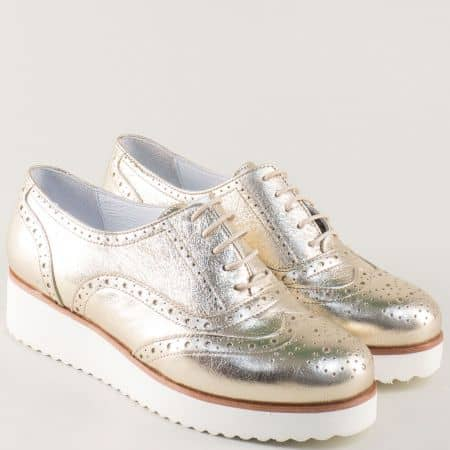 Златисти дамски обувки с връзки и швейцарски мотив 105523zl