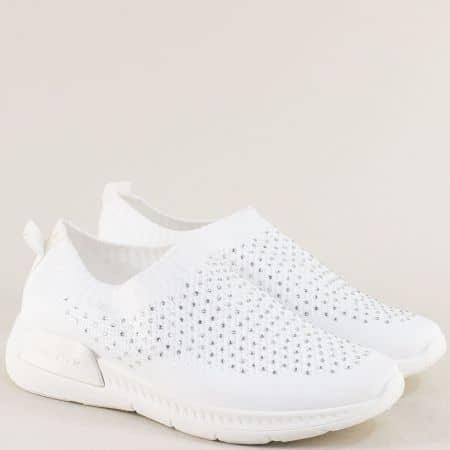 Бели дамски маратонки с малки блестящи камъчета 106-40b