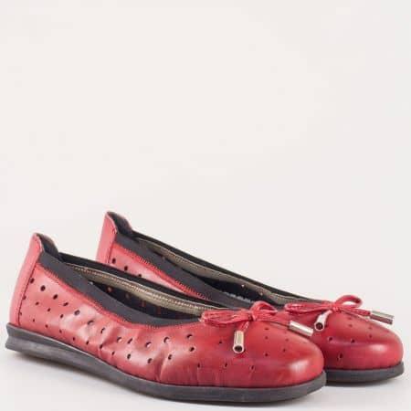 Леки и комфортни балерини в червен цвят- Rieker от перфорирана естествена кожа с мемори стелка 1065chv