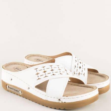 Бели дамски чехли на комфортно анатомично ходило 10678b