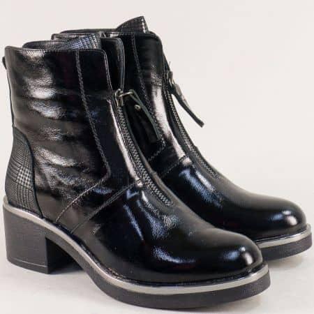 Черни дамски боти на среден ток от естествен лак и кожа 107781ch