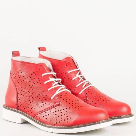 Дамски летни боти на шито ходило с нисък ток и връзки от перфорирана естествена кожа в червен цвят- български производител 109985chv