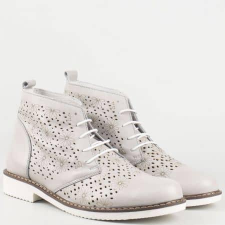 Български дамски обувки в сив цвят с връзки на шито ходило от перфорирана естествена кожа 109985sv