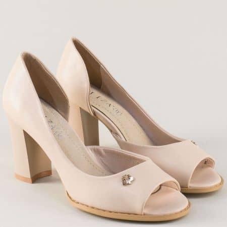 Дамски обувки в бежов цвят на висок стабилен ток 1101091bj