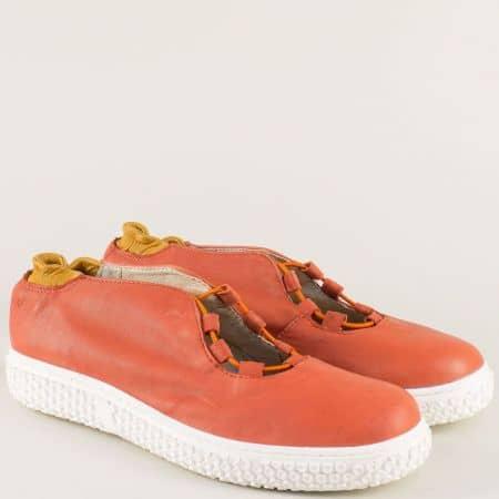 Равни дамски обувки от естествена кожа в оранж 110318o