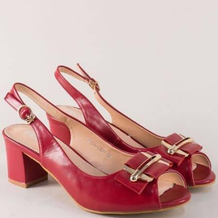 Стилни дамски обувки в червен цвят на комфортен среден ток 110622chv