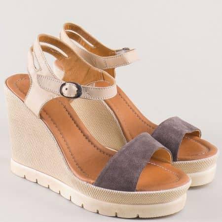 Дамски сандали в сив и бежово цвят на платформа от естествена кожа и велур 1107vsv