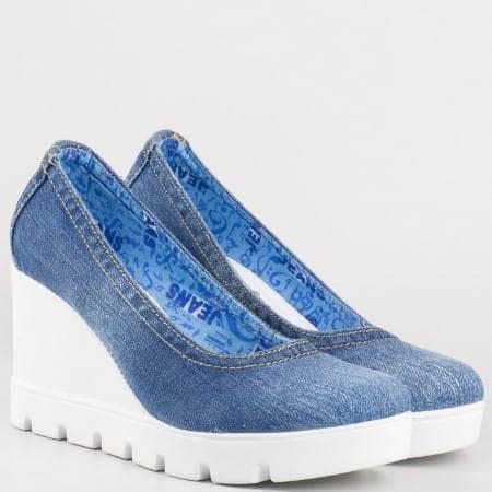 Дамски фешън обувки на клин ходило в син цвят 11275ds