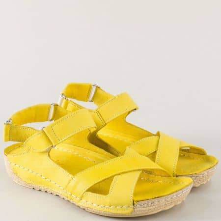 Равни дамски сандали от естествена кожа в жълт цвят 116j