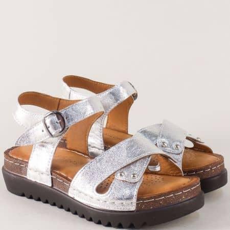 Сребристи дамски сандали с кожена стелка и шито ходило 1175sr