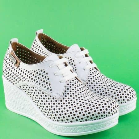 Бели дамски обувки с връзки от естествена кожа 120143b