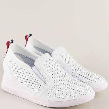 Бели дамски обувки с перфорация на платформа  122126b