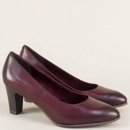 Кожени дамски обувки в цвят бордо на висок ток- Tamaris 122422bd