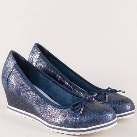 Сини дамски обувки Tamaris на платформа с нежна панделка 122461s