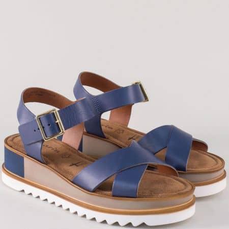 Кожени дамски сандали Tamaris в син цвят на платформа 128351s