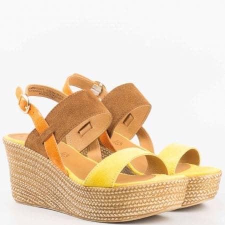Дамски комфортни сандали от висококачествен естествен велур и кожа на немския производител Tamaris в цветова комбинация 128364vps