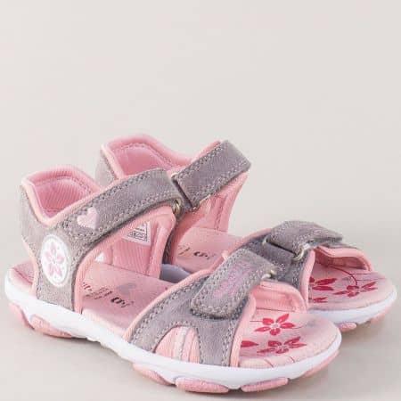 Равни детски сандали от естествен велур в сиво и розово 12844-25svrz