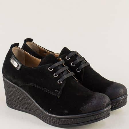 Велурени дамски обувки в черен цвят на клин ходило 130143vch