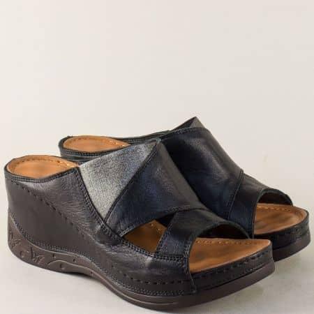 Кожени дамски чехли в черно и сребро на платформа 134322chsr