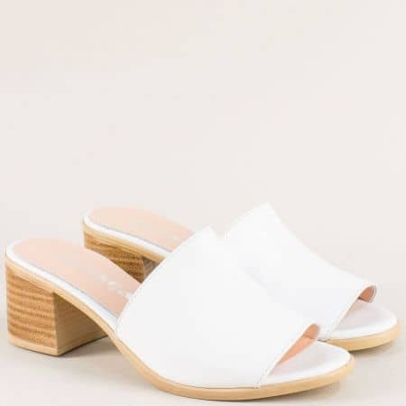 Бели дамски чехли от естествена кожа на среден ток  1347296b