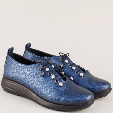 Равни дамски обувки с връзки и декорация в син цвят 1412198s