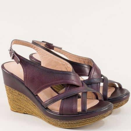 Кожени дамски сандали на платформа в цвят бордо 144013184bd
