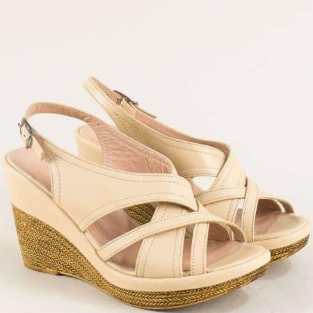 Бежови дамски сандали на платформа от естествена кожа 144013184bj