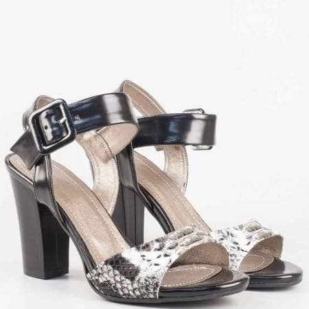 Дамски сандали със стилна визия на висок ток в цветова комбинация от бяло и черно 146lzb