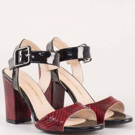 Елегантни дамски сандали на висок стабилен ток в черно и червено със змийски принт 146lzchv