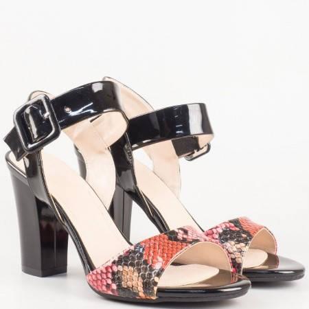 Дамски летни сандали на висок ток с катарама в атрактивна цветова комбинация 146lzps