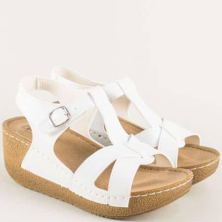 Анатомични дамски сандали на платформа в бял цвят 14797b