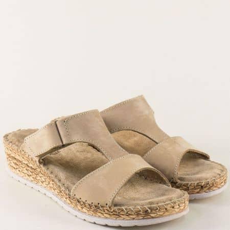 Дамски чехли от от естествен набук в бежов цвят с лепка 1492716nbj