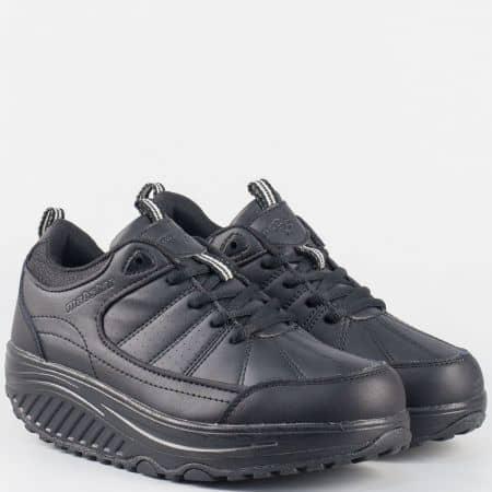 Дамски спортни обувки в черен цвят с платформа и връзки 15002270ch