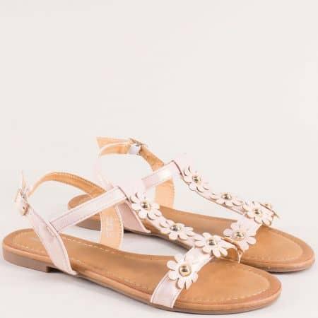Розови дамски сандали с флорална декорация- MAT STAR 150075rz
