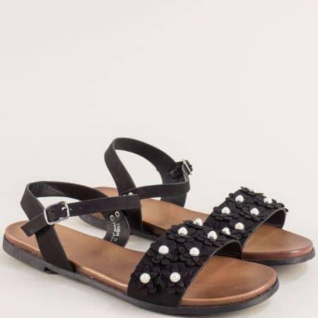 Дамски сандали в черен цвят на равно ходило- MAT STAR 150080ch