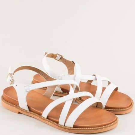 Бели дамски сандали на равно ходило- MAT STAR 150085b