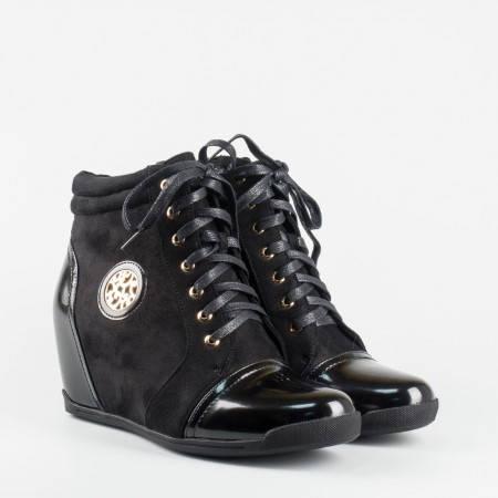 Дамски ежедневни боти в комбинация от еко велур и лак с връзки и цип в черен цвят 15048398ch