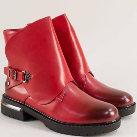 Дамски боти в червен цвят на ефектен нисък ток- ELIZA 1507609chv