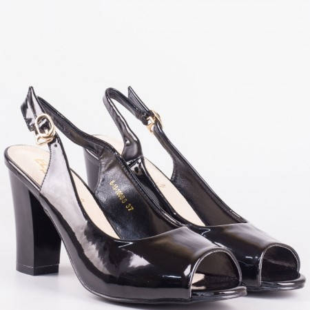 Елегантни дамски сандали на висок ток с катарама в черен лак и кожена стелка 1510065lch